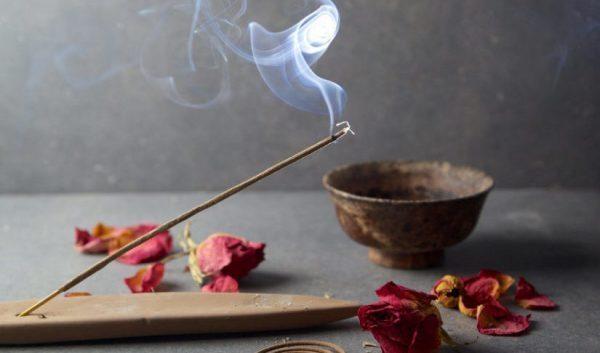 Usi e significato spirituale dell'incenso