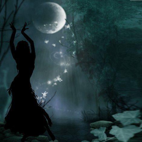 La Luna piena della guarigione e della prosperità: il potere della musica e della danza