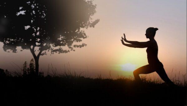 Esercizio della nebbia bianca per rinforzare i polmoni (Qigong)